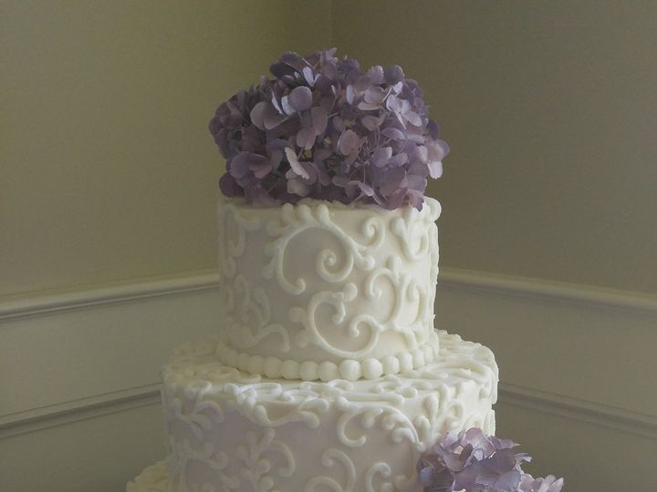 Tmx White Swirls Wedding Cake With Lilac Hydrangeas Www Vintagebakery Com 803 386 8806 51 45999 159430782052182 Blythewood, SC wedding cake