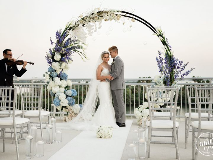 Tmx Couple With The Luna Arch 51 955999 160305250985915 Clearwater Beach, FL wedding planner