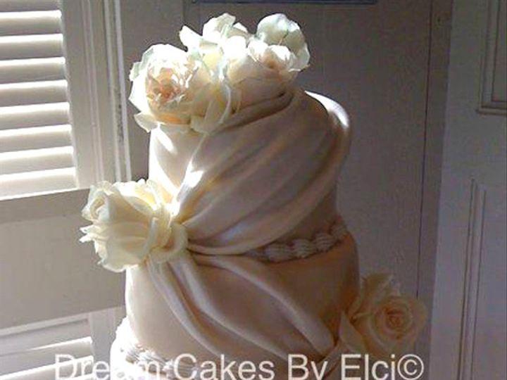 Tmx 1437131017624 3080282290260904803481652539304n South Dartmouth wedding cake