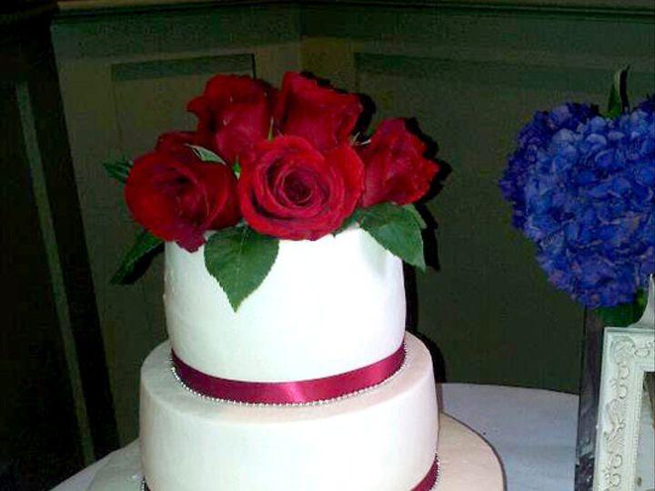 Tmx 1437131020324 3868324068026960360191725527398n South Dartmouth wedding cake