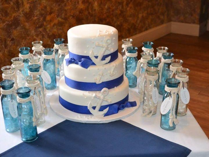 Tmx 1437138681606 1782052102025460632472871773994420n South Dartmouth wedding cake