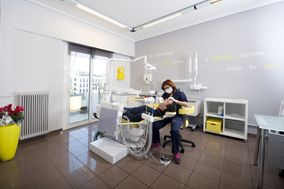 Klironomou Dental Clinic in Piraeus Port|Greece-Athens