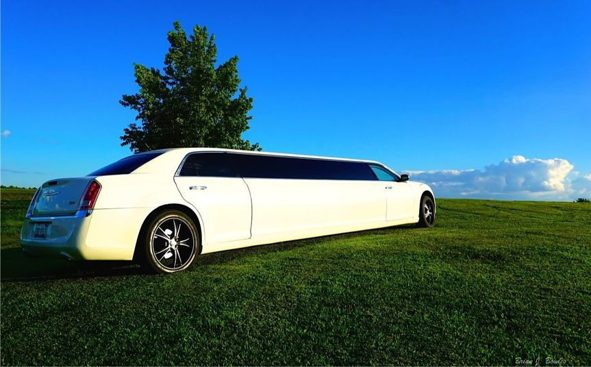 7-10 Passenger, stretched, Chrysler 300