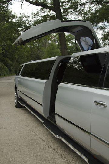 18-20 Passenger, Super stretched, Cadillac Escalade ESV