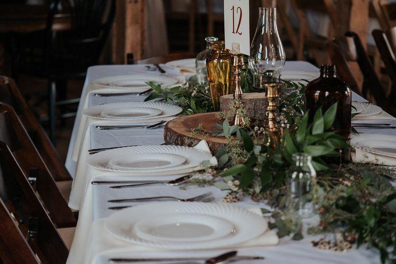 Table centerpieces and decor design details.