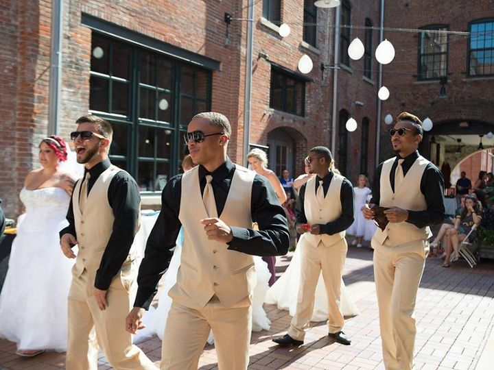 Tmx Zazous Courtyard 51 728999 Dubuque, IA wedding dress