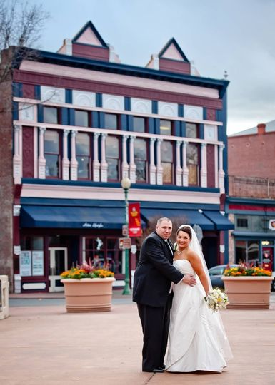 Photography by Shannon Morse. Beautiful Opera House bride and her groom on bridge with Opera House...
