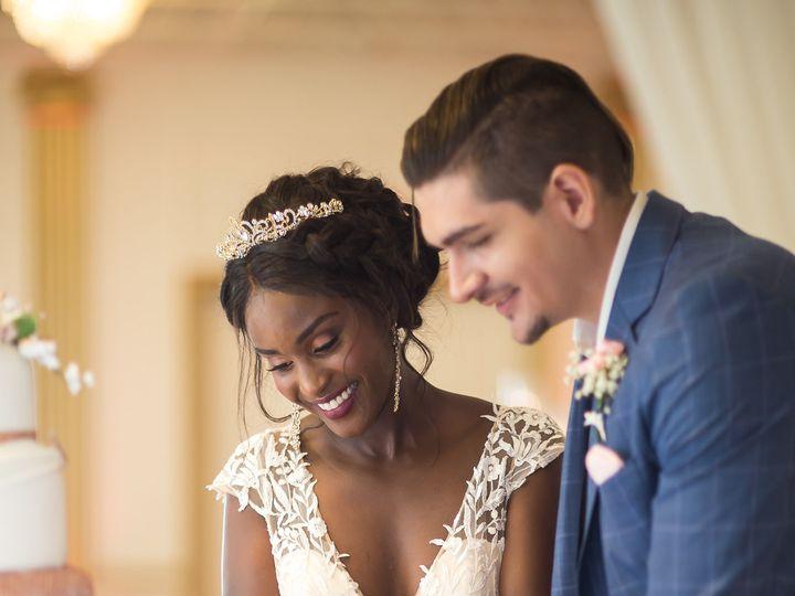 Tmx Img 7408 51 1899999 160990934370854 Prairie Village, KS wedding beauty