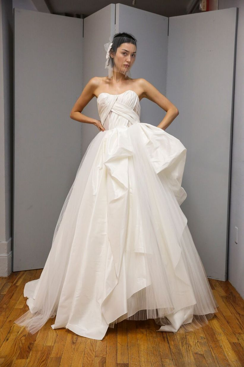 2019 Wedding Dress Trends To Inspire Your Bridal Fashion Weddingwire