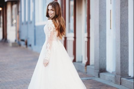 44 Thoughts Every Bride Has While Wedding Dress Shopping