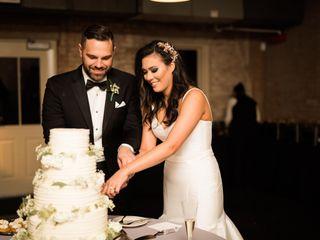 The Best Wedding Cake Flavor Combinations