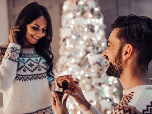 5 Reasons to Get Engaged Over the Holiday Season