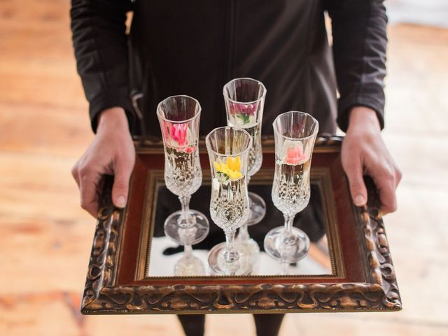 Raise a Glass to 8 Wedding Cocktail Trends for 2019