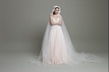 18 Fairytale Wedding Dresses for an Enchanted, Whimsical Look