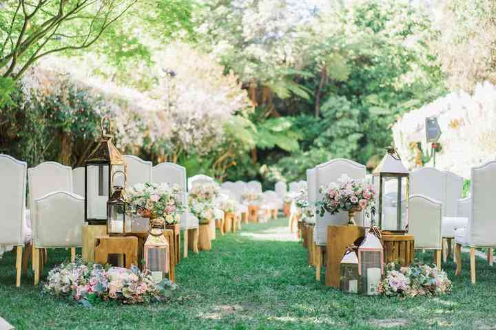 How to Choose Your Wedding Aesthetic and Why You Need One