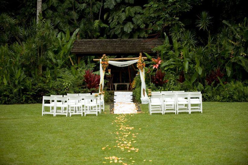 Beach Wedding Ceremony Oahu: 9 Oahu Wedding Venues For A Dreamy Hawaiian Escape