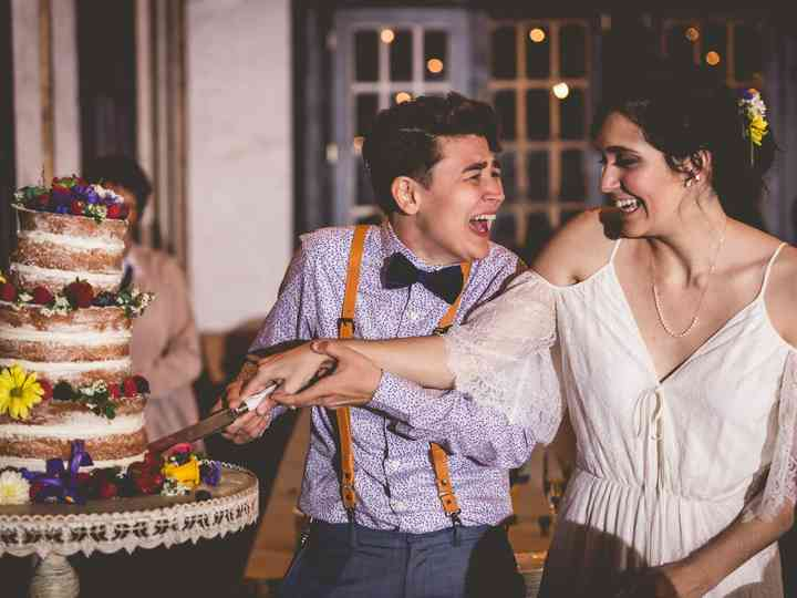 15 Wedding Cake Cutting Songs That Aren T Overplayed Weddingwire