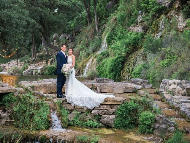 7 Lush AF Outdoor Wedding Venues in San Antonio