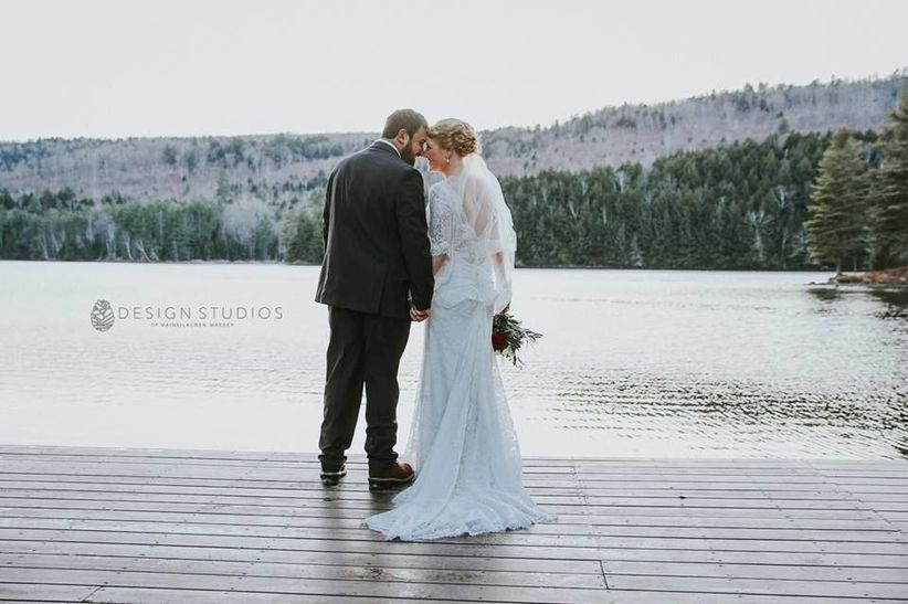 maine lakeside cabins wedding