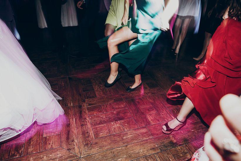 8 Things Single Wedding Guests HATE