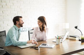 Workplace Dating: How to Mix Business and Romance