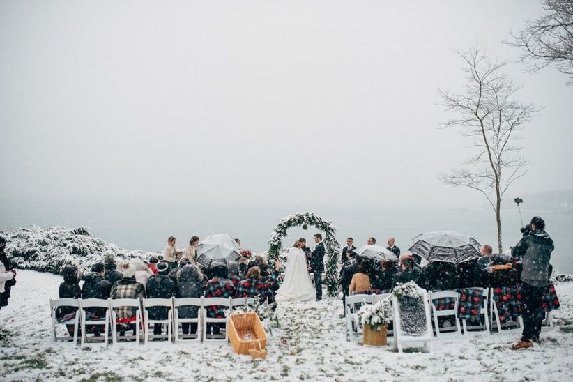 outdoor winter wedding in maine