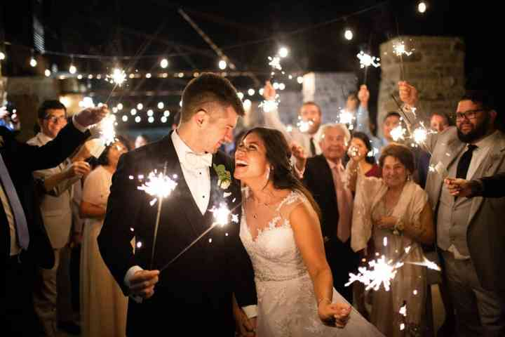 how to throw a killer new year s eve wedding weddingwire throw a killer new year s eve wedding