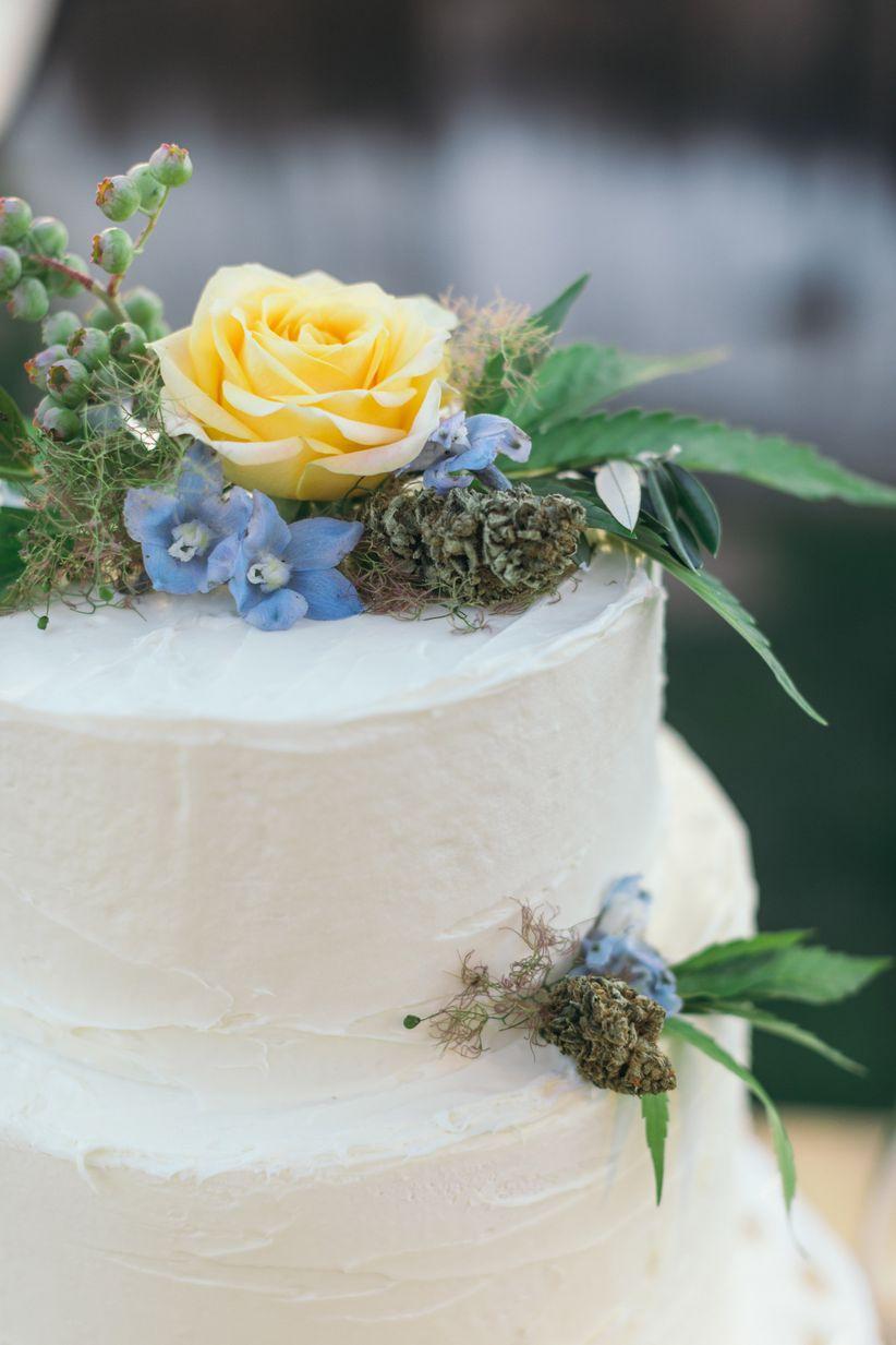 weed wedding cake