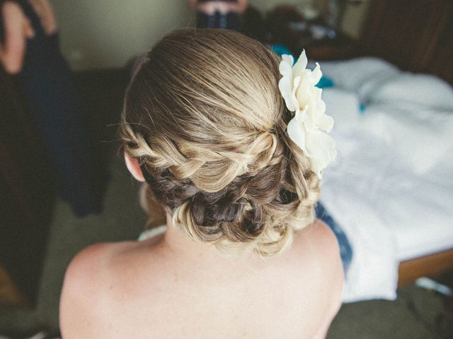 25 Bridesmaid Hairstyles For All Hair Types