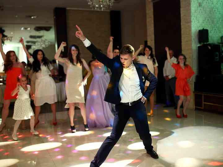 The 4 Real Life Wedding Crashers That May Show Up On Your