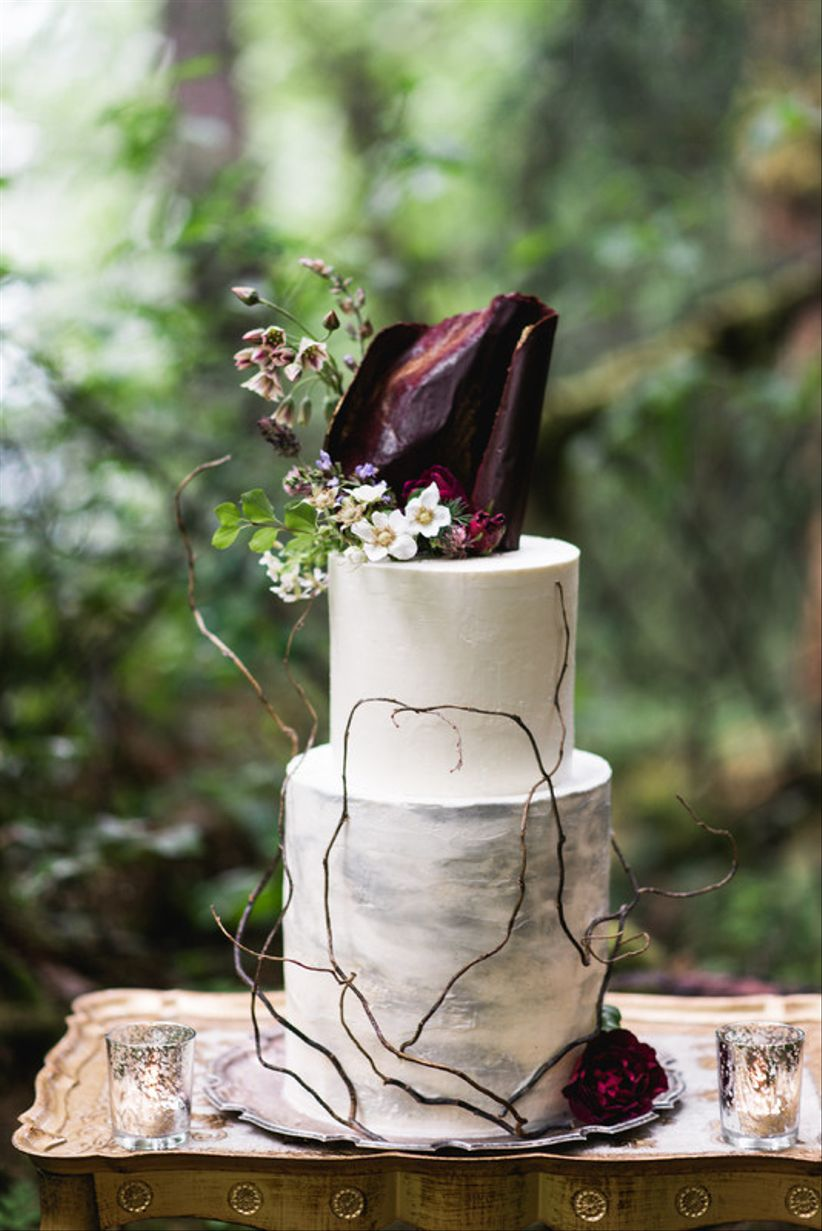 15 Ways To Use Moody Wedding Colors In Your Decor Weddingwire