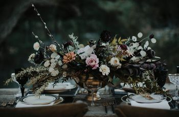 15 Ways to Use Moody Wedding Colors in Your Decor