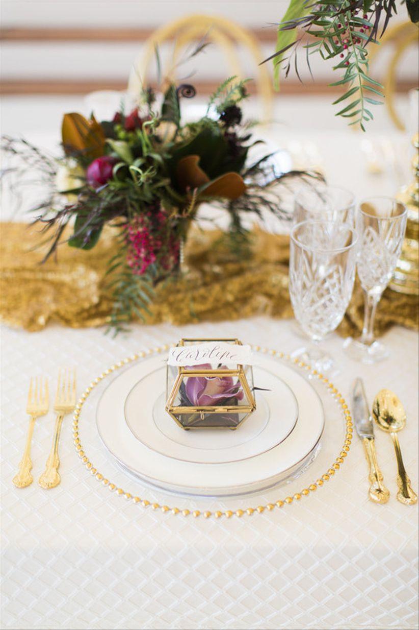 13 Creative Wedding Place Card Ideas - WeddingWire