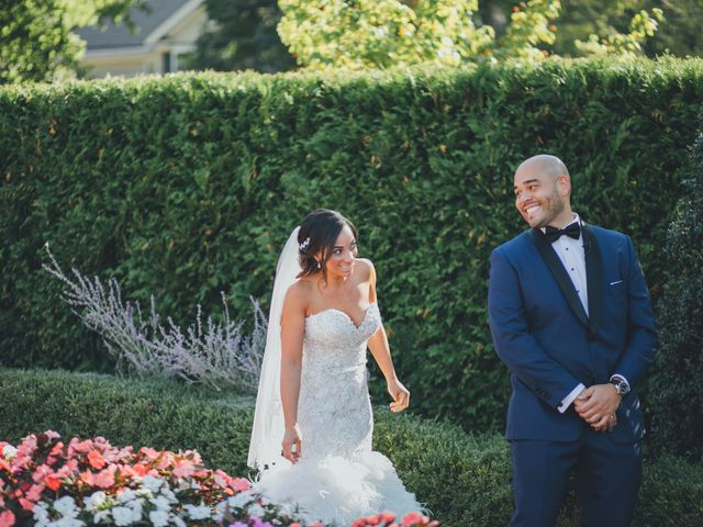 The 10 Wedding Moments Your Videographer Can't Miss