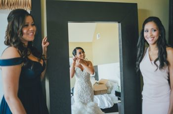 How to Look Good in Wedding Photos, According to Experts