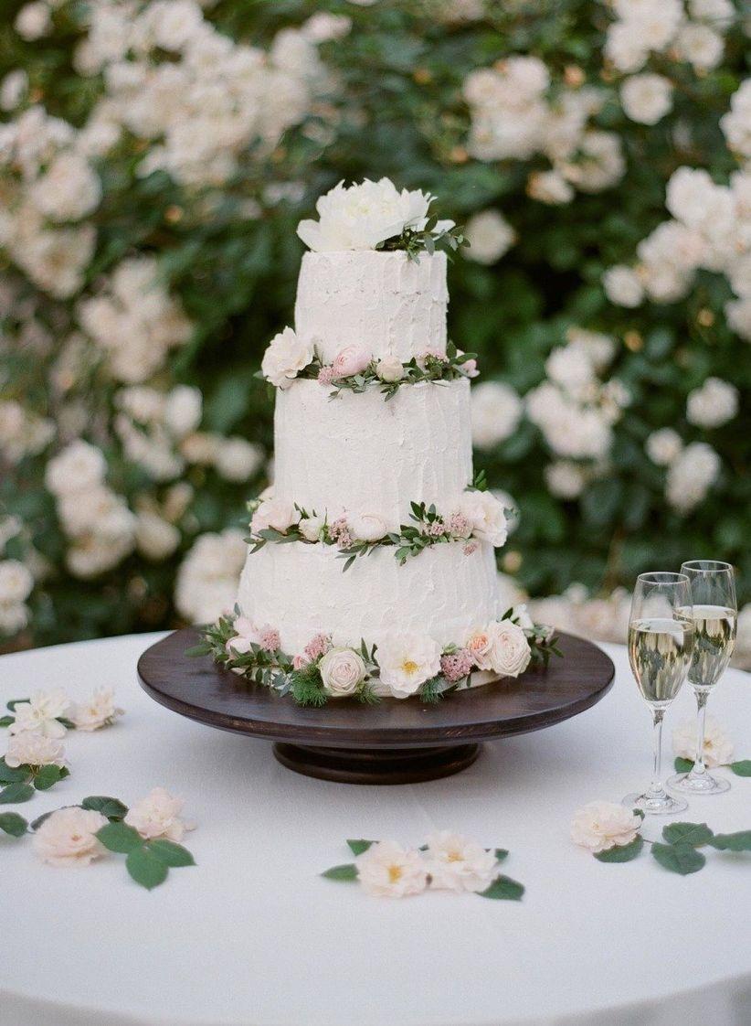 The Garden Wedding Dcor Every Romantic Outdoor Bash Needs Weddingwire
