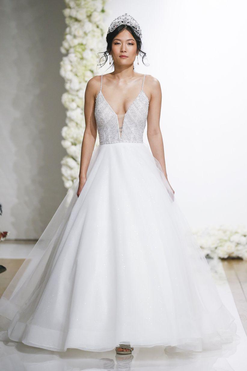 11 Ballerina Wedding Dresses That Are So on Pointe - WeddingWire
