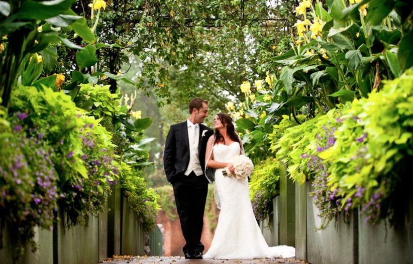 atlanta botanical garden wedding couple
