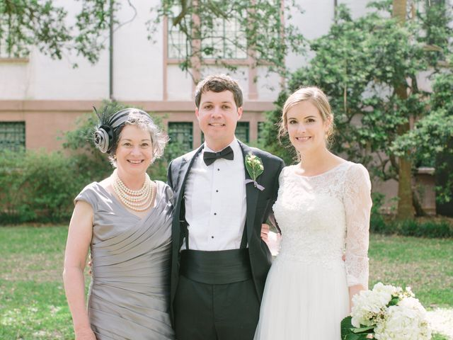 7 Easy Ways to Let Your Mother-in-Law Help with Wedding Planning