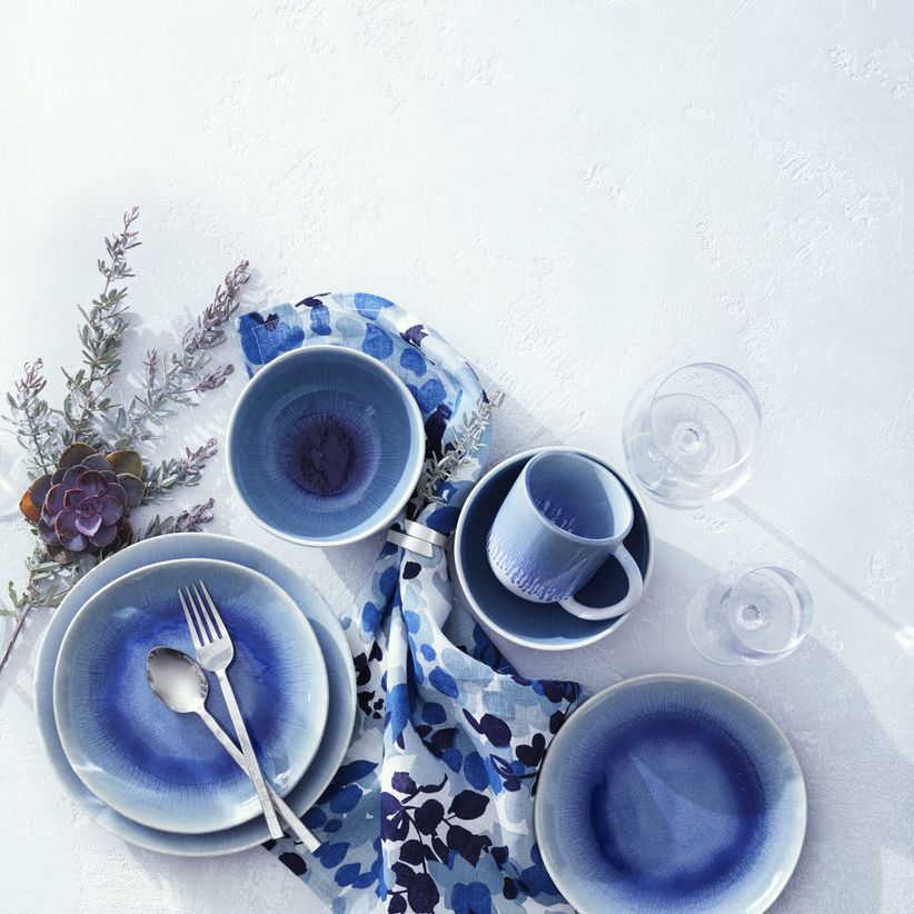 crate and barrel dinnerware