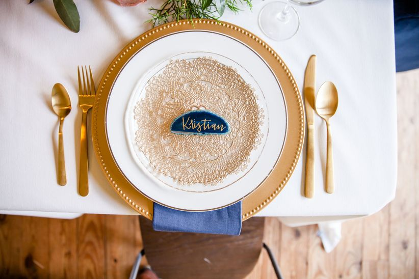 blue and gold bohemian wedding place setting with blue agate place card