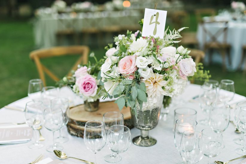 Rustic wedding centerpieces without a single mason jar