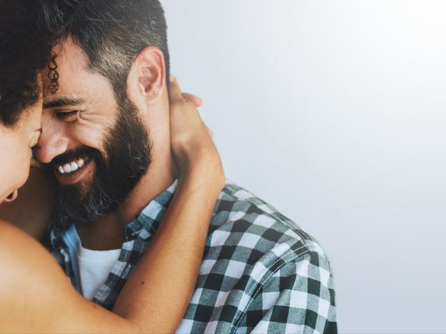 The 7 Signs You're Crazy In Love, According to Science