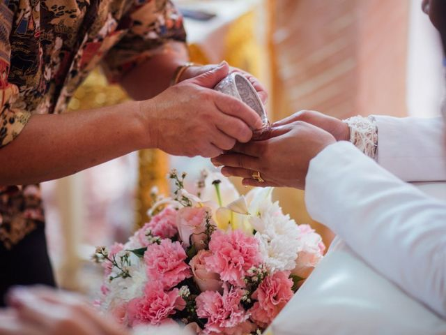 Important Thai Wedding Traditions Explained