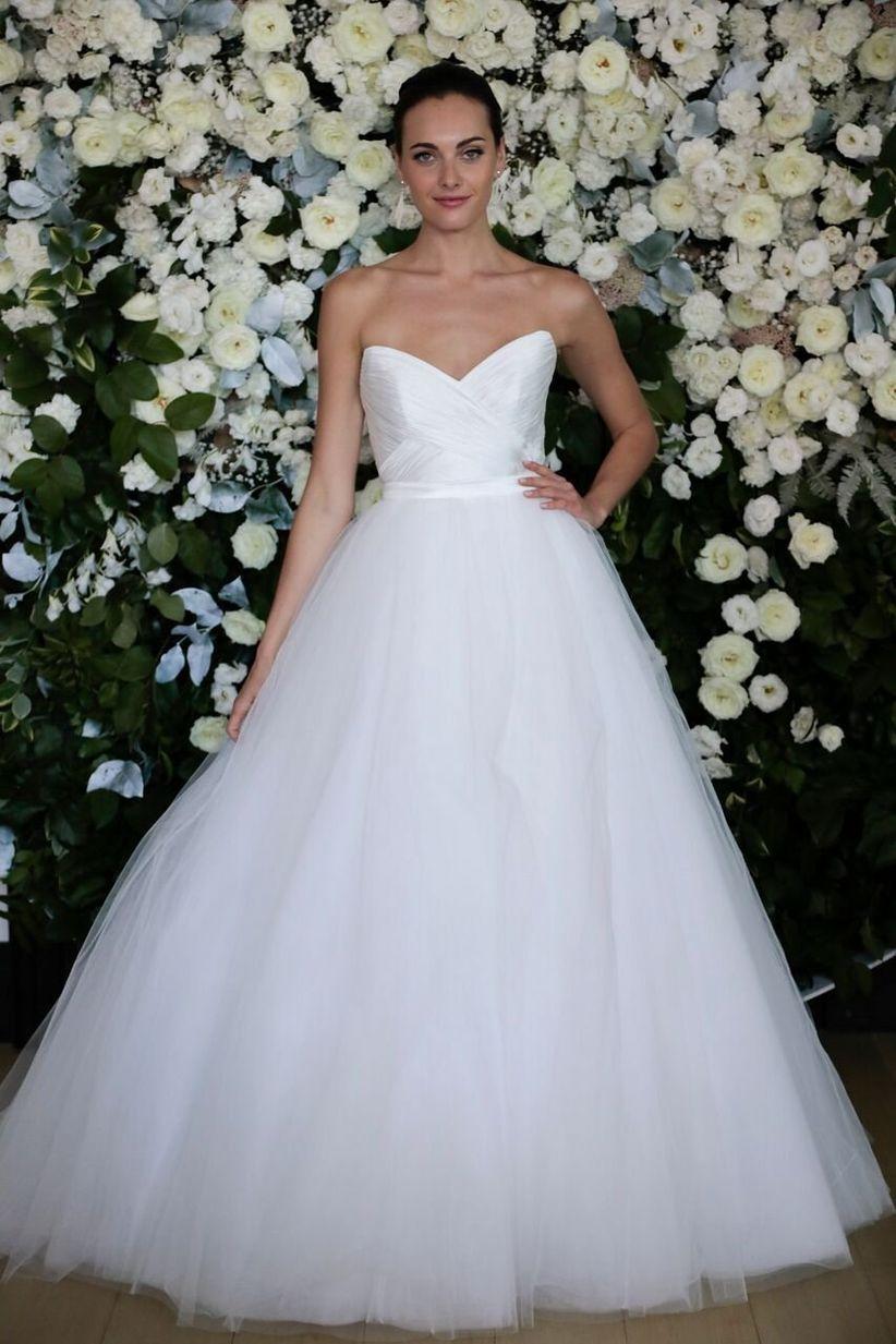 10 Ballroom Wedding Dresses For A Glamorous Walk Down the Aisle ...
