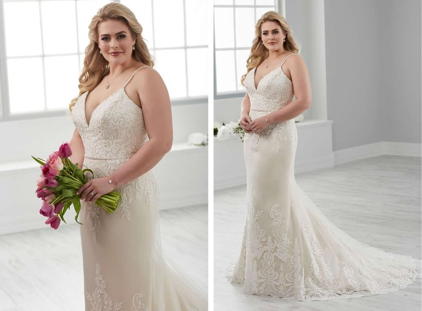 5 Wedding Dresses That Flaunt What Your Mama Gave You Weddingwire