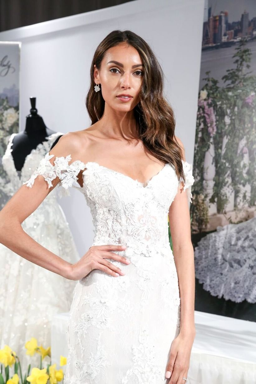 6 Wedding Dress Sleeve Styles All Brides Need To Know Weddingwire