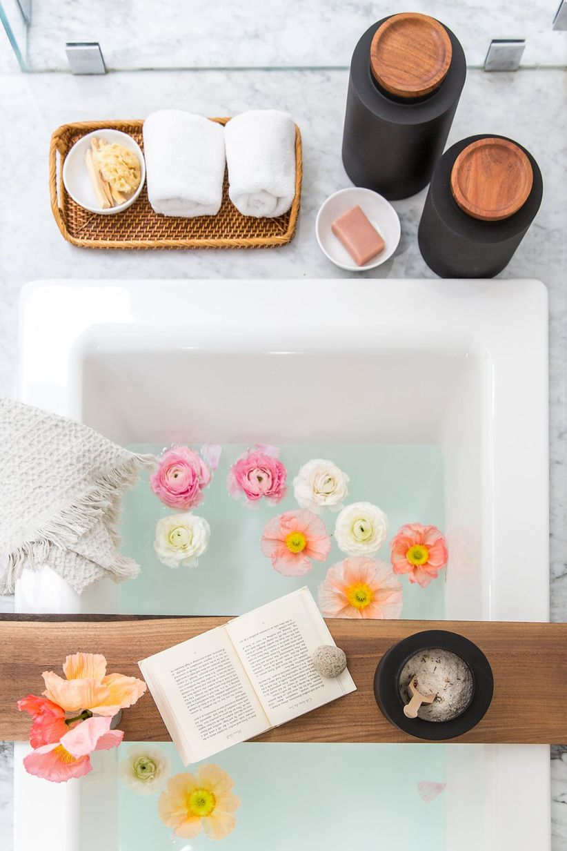 crate and barrel bath accessories