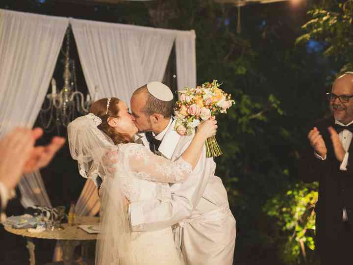 14 Jewish Wedding Traditions And What They Mean Weddingwire