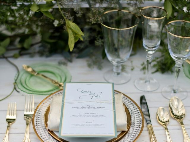 14 Ways to Use Metallic Wedding Colors on the Big Day